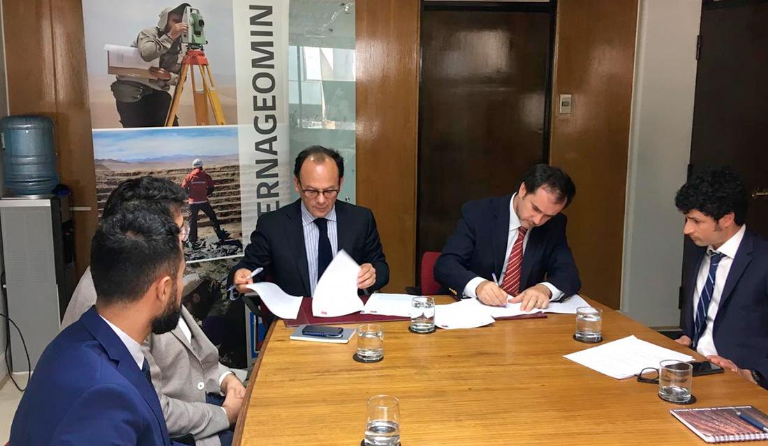 SERNAGEOMIN y SMA firman convenio de cooperación